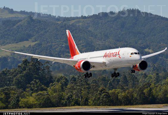 Photo: N780AV (CN: 37502) Boeing 787-8 Dreamliner by Jorge Saenz Photoid:8229467 - JetPhotos.Net