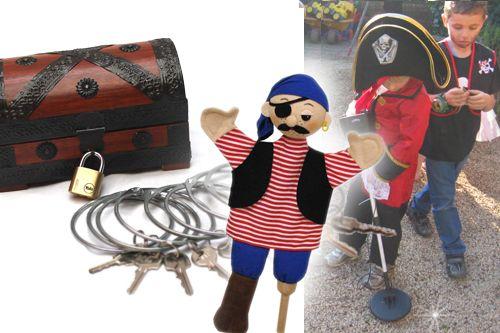 van metaaldetector tot een handleiding boordevol stoere spelletjes, echt alles, voor een fijn piraten feestje,  zit in de piraten koffer.