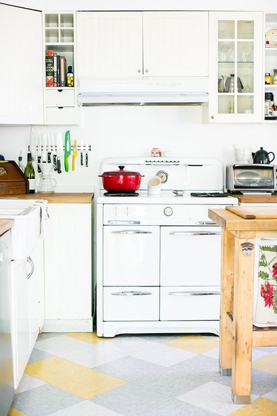 Savings Stretchers: 8 Times Inexpensive Materials Looked Really Great in the Kitchen