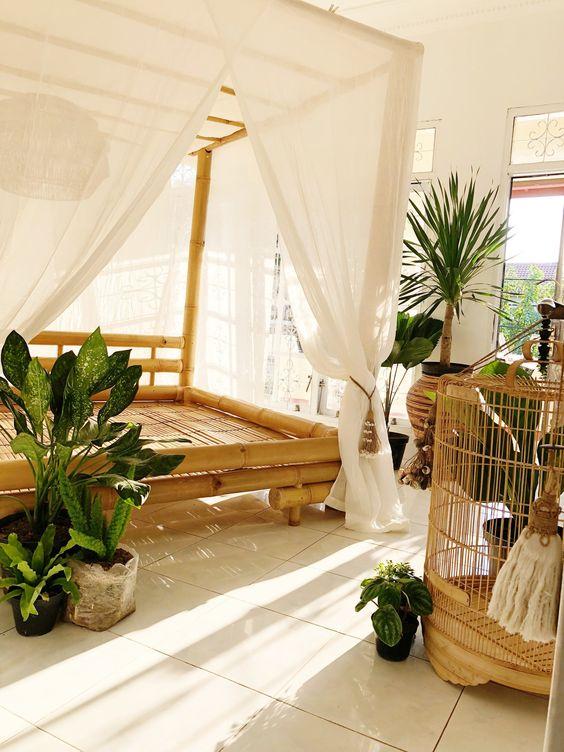 Raakesh Bamboo Canopy Bed — Homevestures