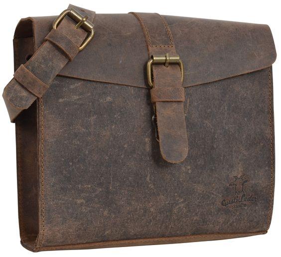 Sie ist die moderne Handtasche mit dem gewissen Etwas! Hier trifft klassisches Design auf den angesagten jungen Retro-Look und heraus kommt etwas einzigartiges und sehr individuelles. Das ist 'Ashton'. Gusti Leder - 2M33-17-1
