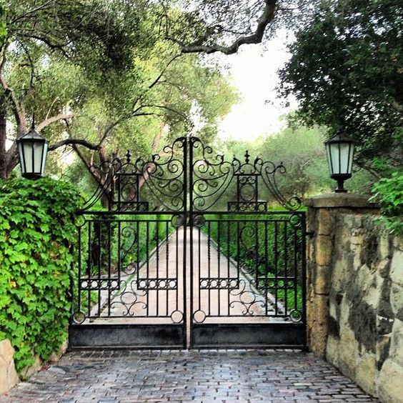 Wrought Iron Gates And Steel Barriers: Driveway - Garden Wrought Iron Gate
