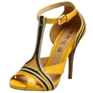 I love the use of color here! These would be great with a dress or to spice up dress pants!