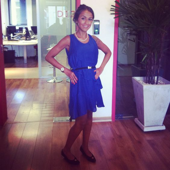 Vestidinho de seda azul + sapatilha + cintinho