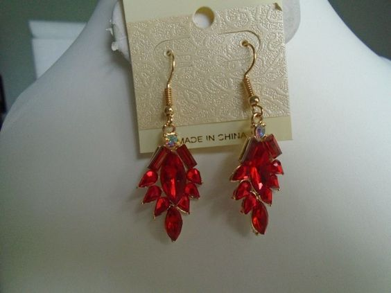 Earring Red Crystal Leaf in Gold Setting Hook Dangle Pierced #DropDangle