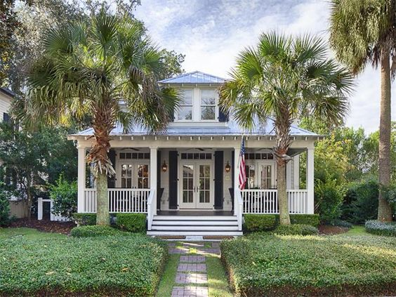 Palmetto Bluff Cottage | Bluffton, South Carolina | Celia Dunn Sotheby's International Realty