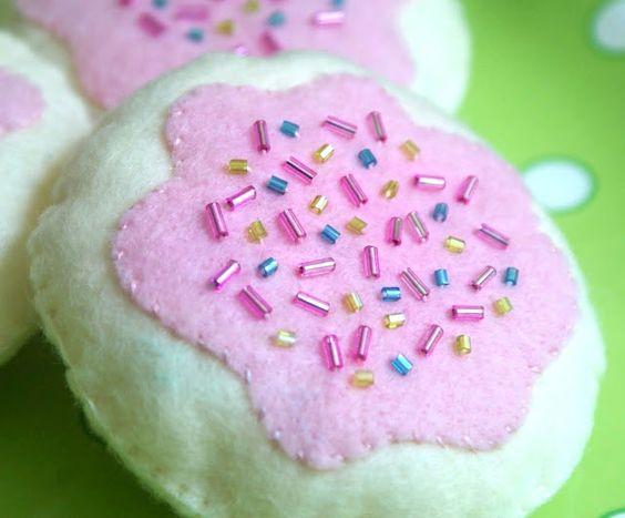 A Little Loveliness: Heartfelt Cookies