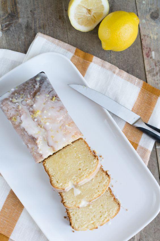 Recept Citroencake. Heb het in cupcakevorm gemaakt, met italiaanse meringue er bovenop. Lekker, maar mag nog wel wat meer citroen(extract) in.