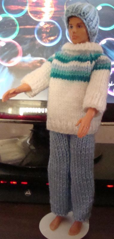 Free Knitting Patterns For Ken Dolls : Ladyfingers - Barbie & Ken QUICKIE KNITTING PATTERNS ...