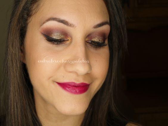 Maquillaje fiesta borgoña y dorado | Nochevieja 2014 | Outfit http://www.entrebrochasypaletas.com/2015/01/maquillaje-fiesta-borgona-y-dorado.html #makeup