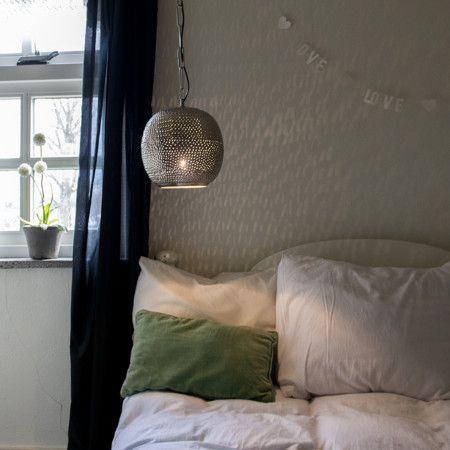 Sind Sie auf der Suche nach einem Hauch orientalischen Glanz? Dann sind Sie hier genau richtig! Durch das besondere Design schafft die Moroc eine angenehme Beleuchtung #lampenundleuchten.at