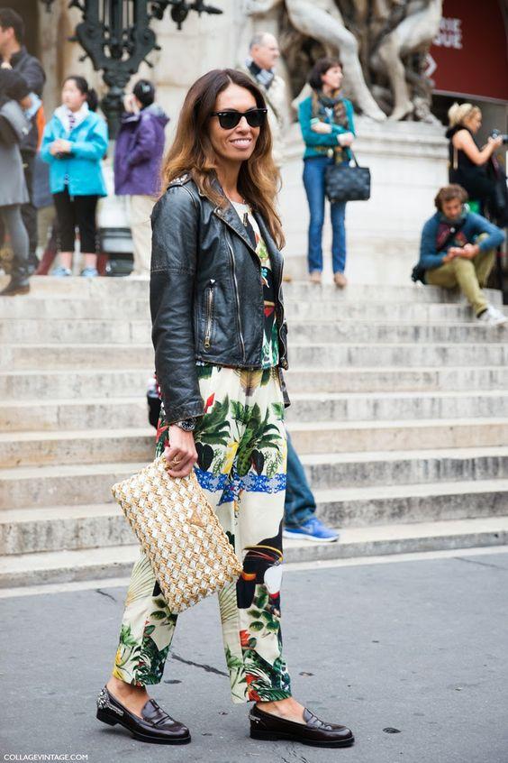 print/moto/major bag moment. #VivianaVolpicella in Paris.