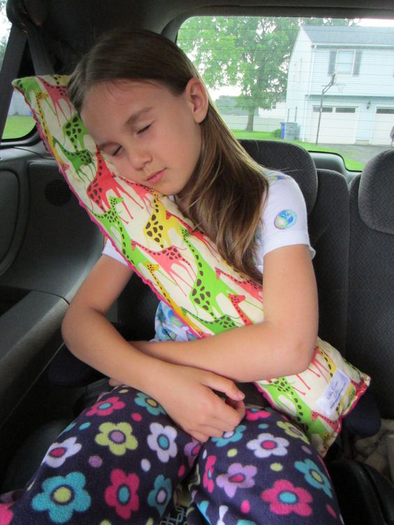 Seat Belt Pillow with pocket -- @Jessica Escobedo...will be needing your help to make these too.