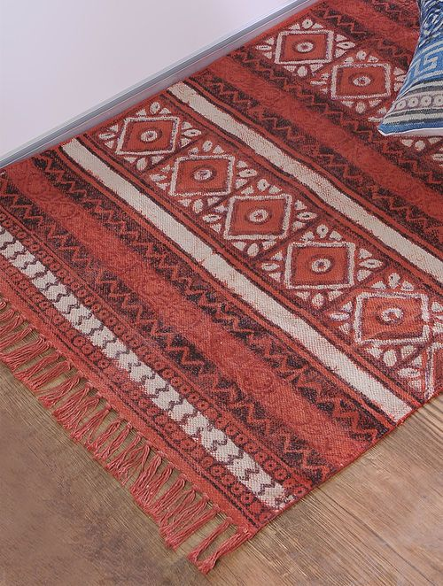 Red Jawta Printed Cotton Rug Online