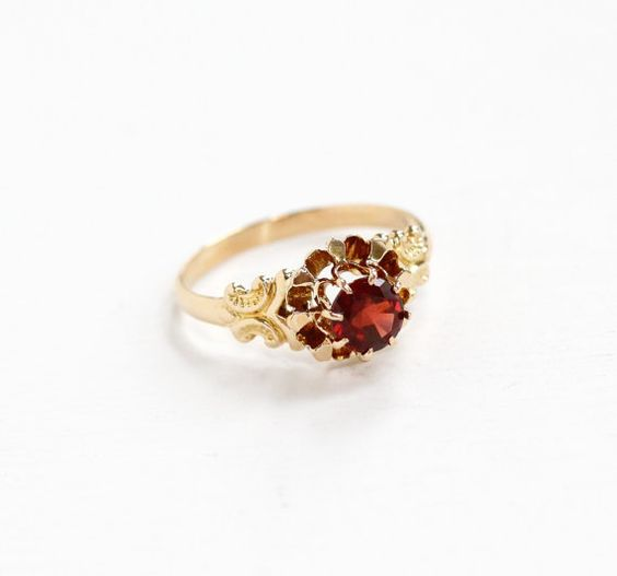 Antique 9k Rosy Yellow Gold Garnet Ring  Vintage by MaejeanVintage