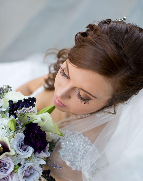 wedding pictures, bride poses, bridal makeup, deadwood, south dakota dailyhomemaker.com