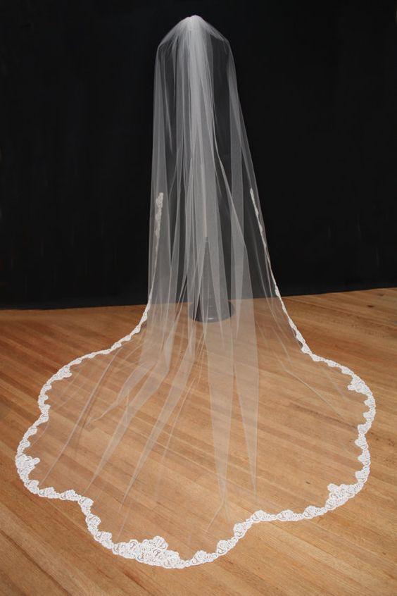 Cathédrale voile de dentelle, dentelle Alencon Couture voile, ourlet de forme de pétoncle, Lace trim Ivoire voile, longueur voile, dentelle de Français de la chapelle.