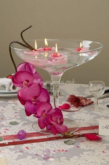 30 id es de centres de table avec fleurs deco floral - Grand verre a pied centre de table ...