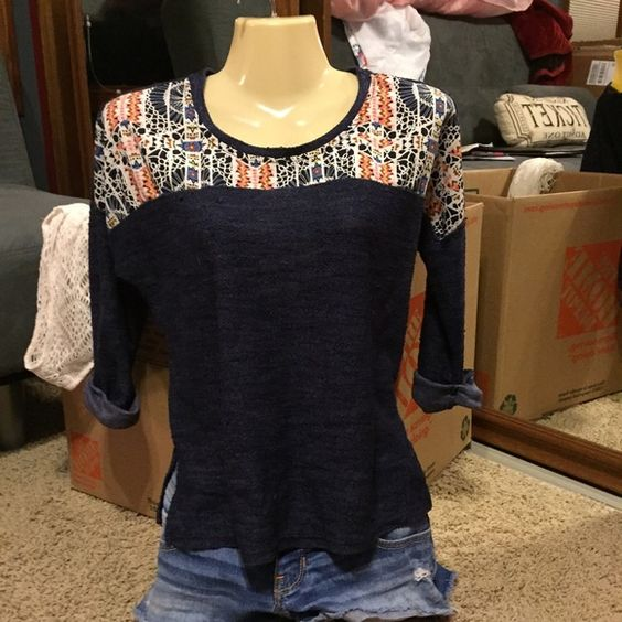 3/4 sleeve top Super cute and comfy! Lightly worn and great style! Olivia Moon Tops Tees - Long Sleeve