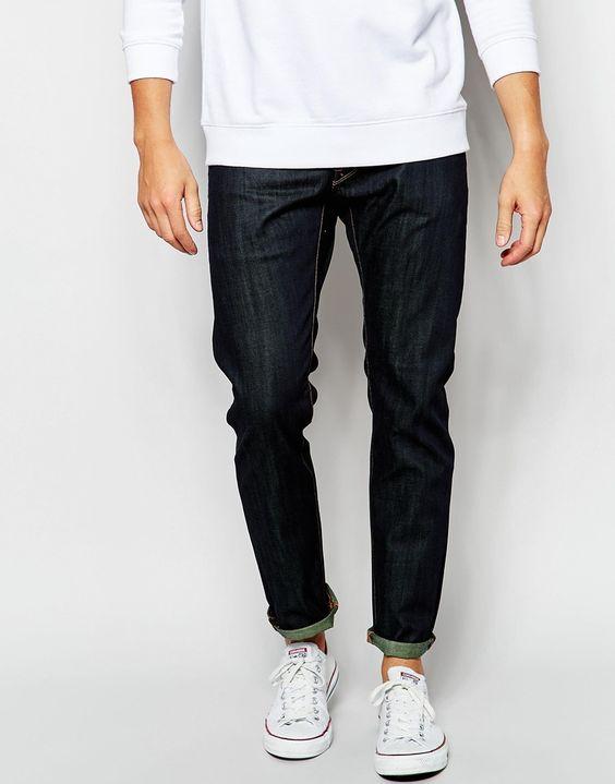Jeans von G-Star Jeansstoff ohne Stretchanteil niedrige Bundhöhe geknöpfter Schlitz schmales Bein schmale Passform, sitzt eng am Körper Maschinenwäsche 100% Baumwolle unser Model trägt Größe 81 cm/32 Zoll und ist 185,5 cm/6 Fuß 1 Zoll groß
