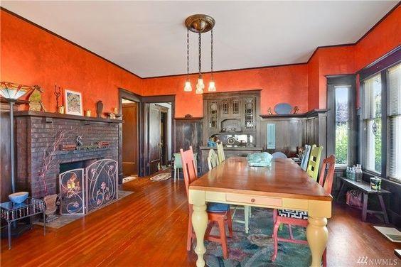 Everett, 2202 Rockefeller. Bright dining room. 1912 craftsman