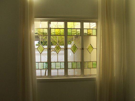 Janela com vitral. Delicado e lindo!