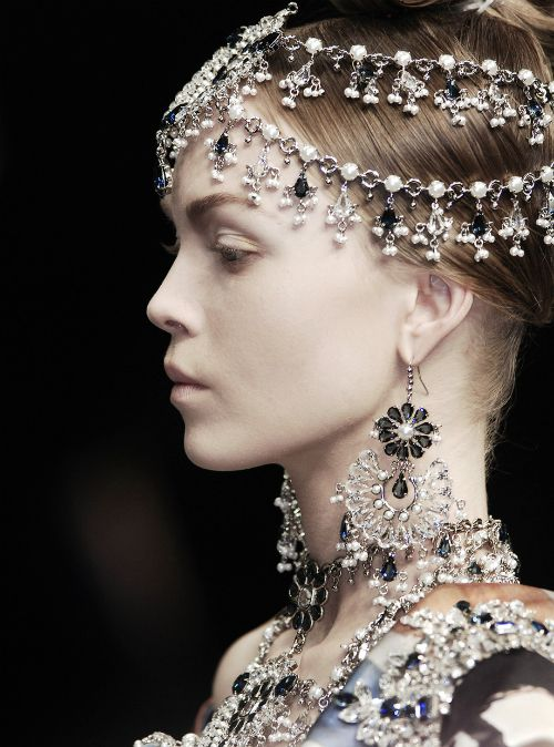 Mcqueen alexander mcqueen and the head on pinterest for Haute couture meaning in english