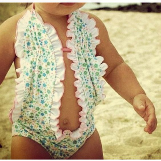 ohmygosh! i want to buy this for baby colleen and viola!! so cute!!!!!!