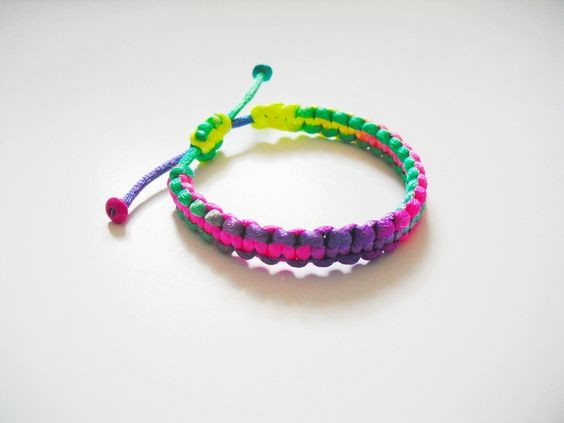 Neon Hippie Armband Flechtarmband  von erdbeerloni auf DaWanda.com