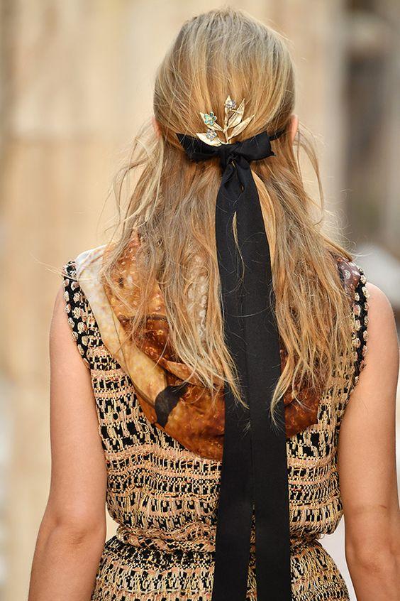 Detalhes da coleção da Chanel para acessórios que fazem toda a diferença no look