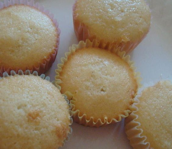 Cupcakes without butter cupcakes cakes and muffins for Cake recipe without butter