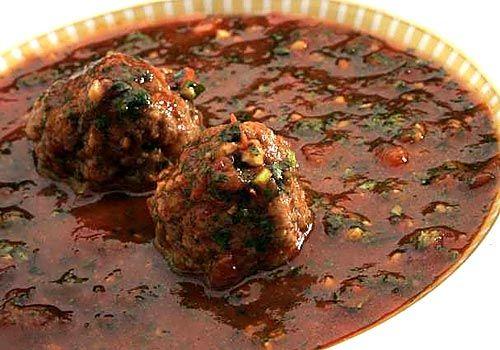 Arabic cilantro tomato soup with meatballs - my favorite!!!