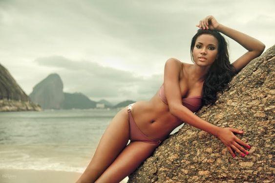 Leila Lopes Miss Universe Facebook Fan Page Wow  http://www.facebook.com/MissUniversum2011