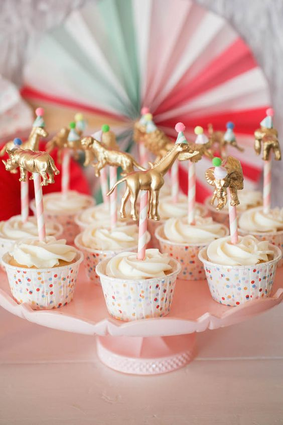 DIY Gold Animal Cupcake Toppers- using craft store animals and gold spray paint. Love the look!: