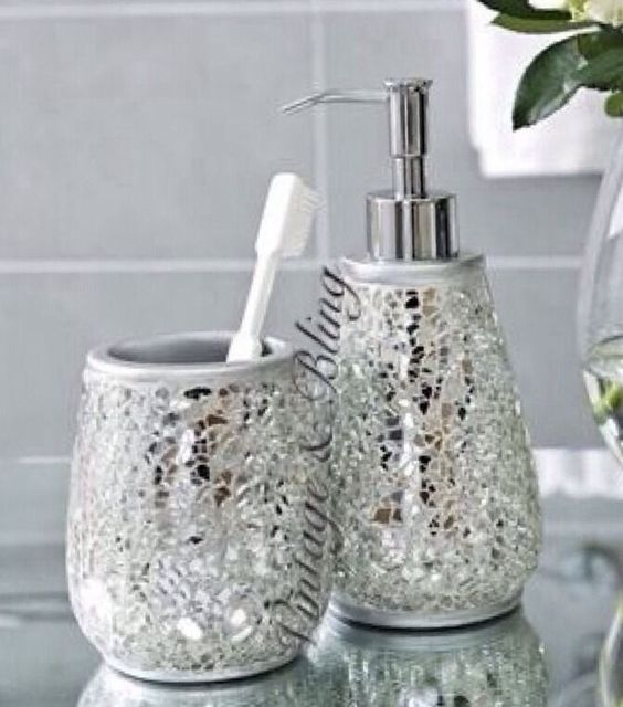 Silver sparkle mirror glass crackle bathroom dispenser for Bathroom accessories silver