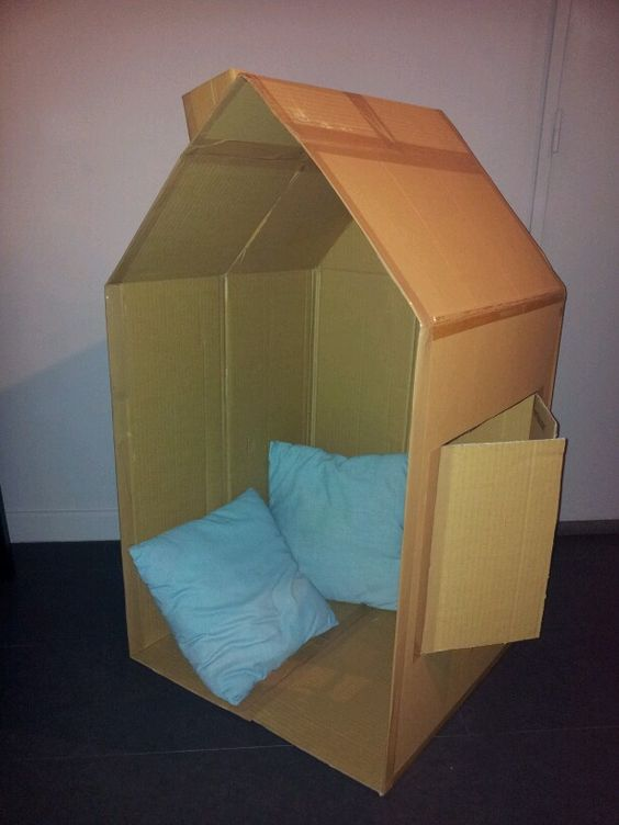 cabane en carton avant d coration par les enfants my creations pinterest. Black Bedroom Furniture Sets. Home Design Ideas
