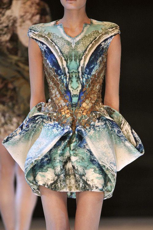 This Unique Dress With Bright Colors And Unique Design's