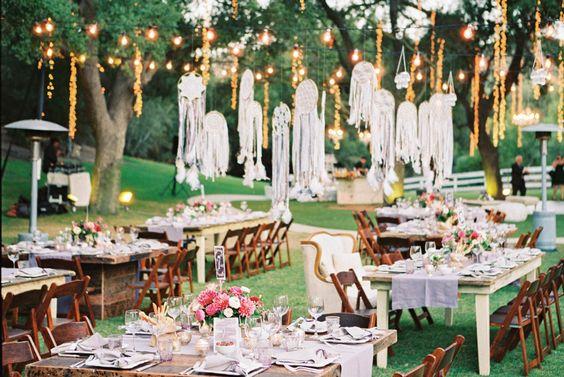 Trang trí tiệc cưới Bohemian đậm chất phóng khoáng và quyến rũ #damcuoiphongcachBohemian #trangtritieccuoiphongcachboho