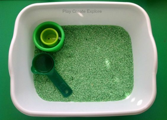 Split Pea Sensory Bin  This sensory bin was very simple..just a small bucket of dry split peas with a few green cups and things for pouring and transferring.