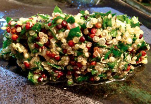 Glutenfreier Tabouleh-Salat mit Quinoa
