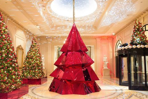 12 Of The Best Hotel Christmas Trees From Around The World In 2020 Cool Christmas Trees Creative Christmas Trees Christmas In Paris