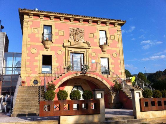 Mansión rústica reconvertida en hotel en Usurbi