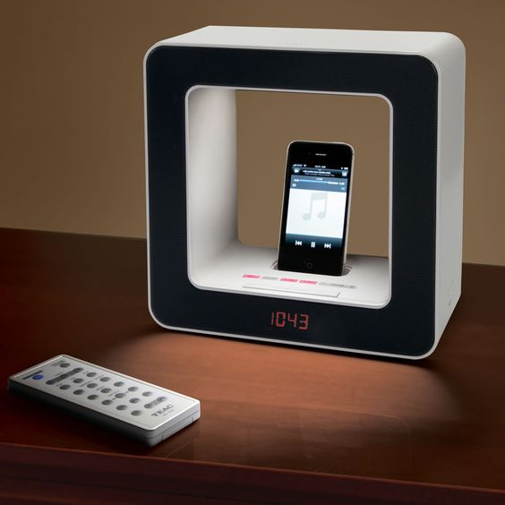 The iPhone Alarm Audio Lamp - Hammacher Schlemmer: Iphone Alarm, Alarm Clock, Alarm Lamp, Lamp Hammacher, Hammacher Schlemmer, Audio Lamp, Lamp Gently