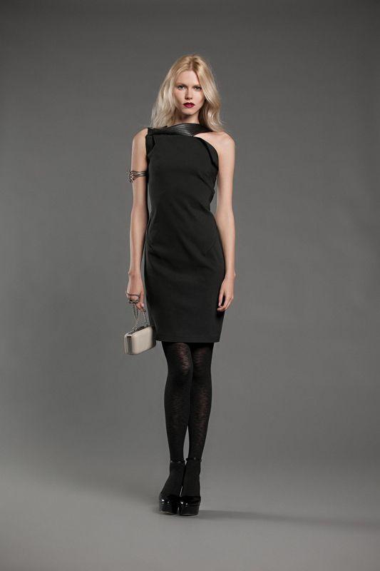 Hanita | L'abito nero |  Il little black dress è un must!  Impossibile non averlo nel nostro guardaroba ;)