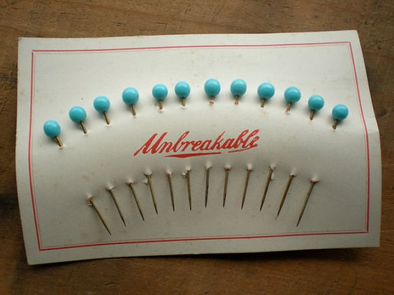 Beautiful old glass sewing pins on original card.  Love.