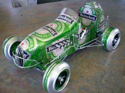 Sólo un tipo de coche: bien elaborado cerveza lata arte