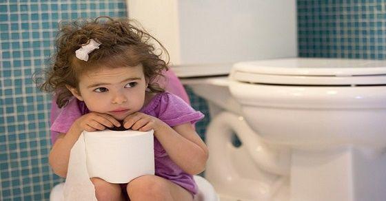 Hướng dẫn mẹ cách vệ sinh sạch sẽ đồ chơi cho con