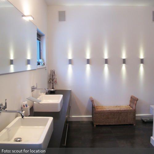 wandstrahler im badezimmer | wandstrahler, badezimmer und beleuchtung, Wohnzimmer dekoo