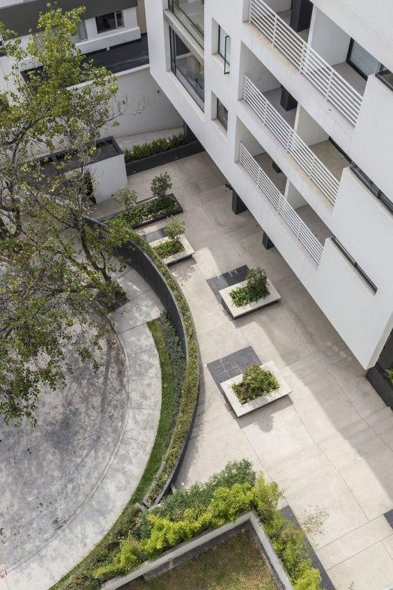 Onyx Building / Diez + Muller Arquitectos: