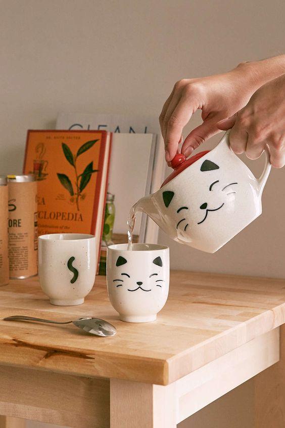 White Cat Tea Set. #pottery #mugs #tazas #cerámica